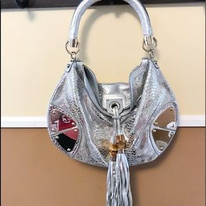 Auth. Gucci Silver Metallic Snakeskin Indy Bag
